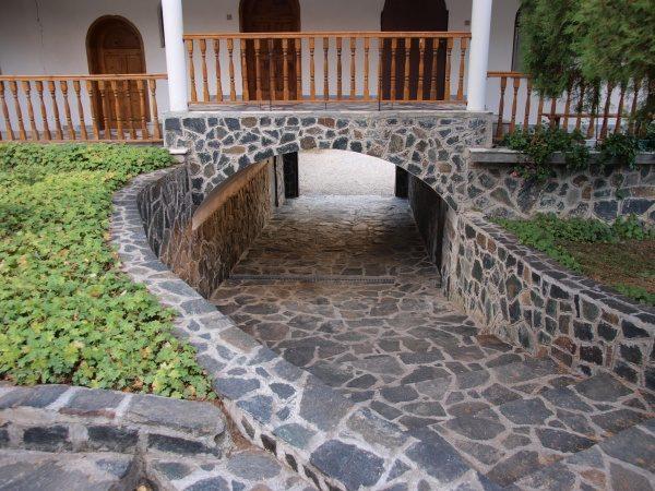 Ресиловски манастир (Снимка 9 от 29)