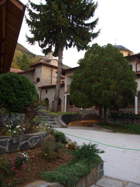 Ресиловски манастир (Снимка 12 от 29)