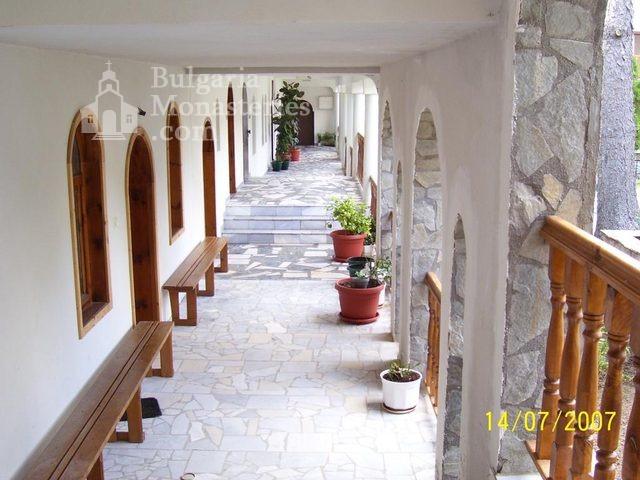 Ресиловски манастир (Снимка 19 от 29)