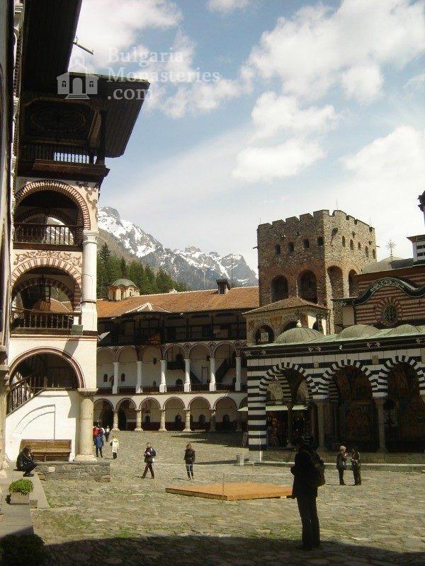 Рилски манастир (Снимка 3 от 51)
