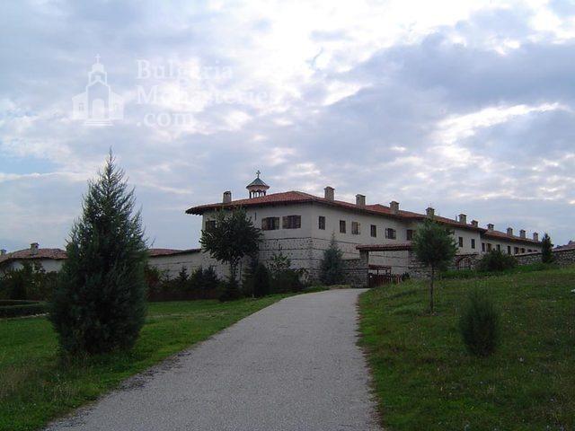 Роженски манастир  - Манастирът от вън (Снимка 11 от 16)