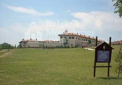 Роженски манастир  - Манастирът от вън (Снимка 12 от 16)