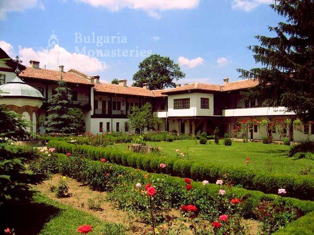 Соколски манастир (Снимка 3 от 40)