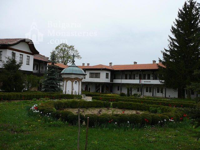 Соколски манастир (Снимка 12 от 40)