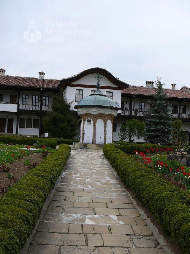Соколски манастир (Снимка 14 от 40)