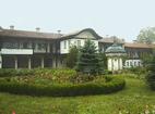 Соколски манастир - Дворът на манастира