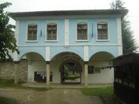 Соколски манастир - Жилищните сгради