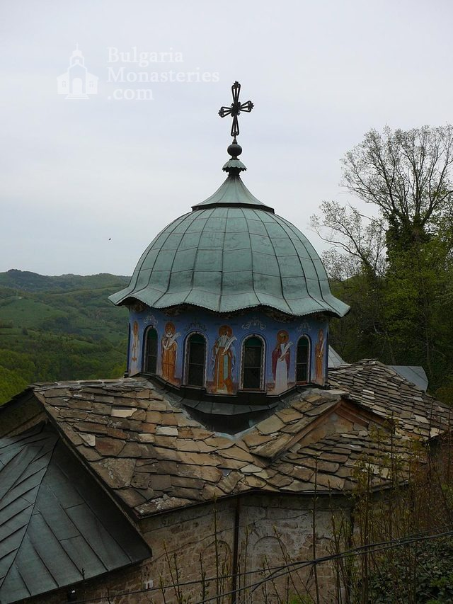 Соколски манастир - Куполът на църквата (Снимка 16 от 40)