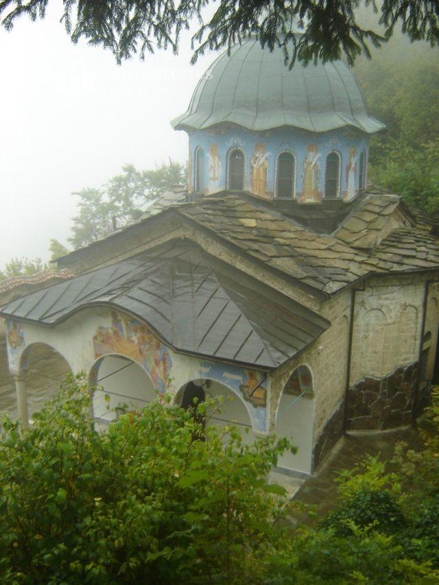 Соколски манастир - Църквата  (Снимка 19 от 40)
