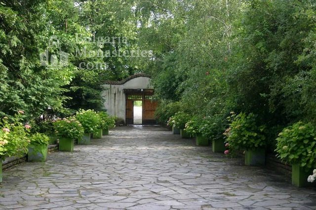 Сопотски манастир - Манастирската порта (Снимка 7 от 7)
