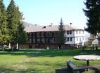 Струпешки манастир - Манастирският двор