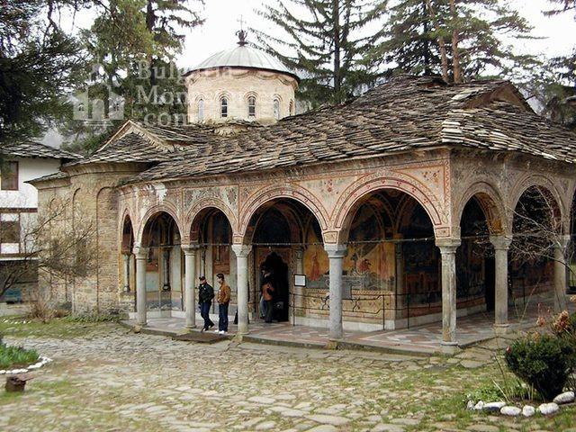 Троянски манастир - Църквата