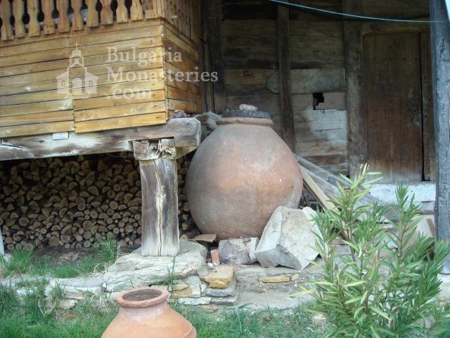 Устремски манастир (Снимка 4 от 23)