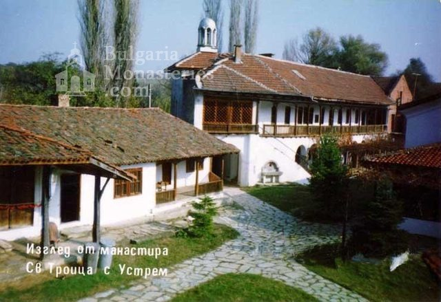 Устремски манастир (Снимка 7 от 23)