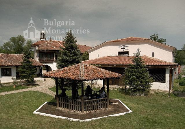 Устремски манастир (Снимка 18 от 23)
