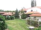Устремски манастир - Вътрешният двор