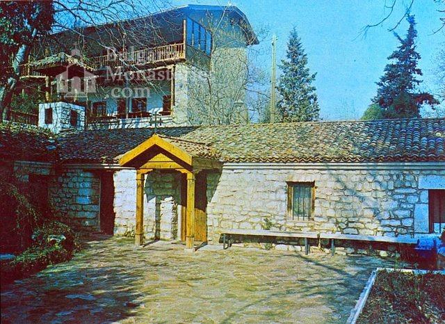 Варненски манастир - Комплексът (Снимка 4 от 15)