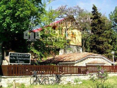 Варненски манастир - Комплексът от вън (Снимка 14 от 15)