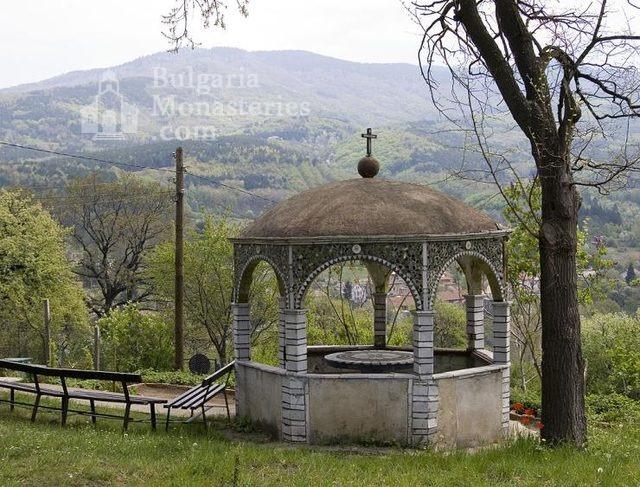 Владайски манастир (Снимка 2 от 12)
