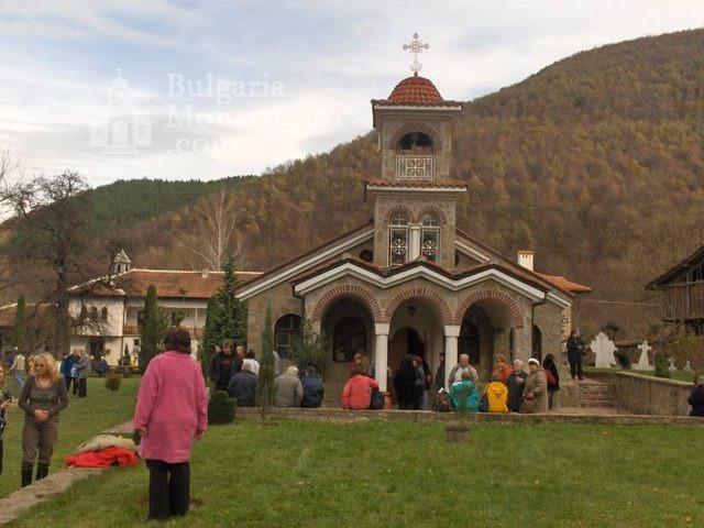 Врачешки манастир - Църквата