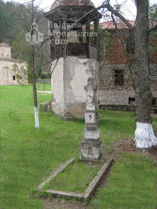 Земенски манастир (Снимка 4 от 27)