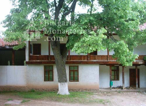 Земенски манастир - Жилищните сгради (Снимка 14 от 27)