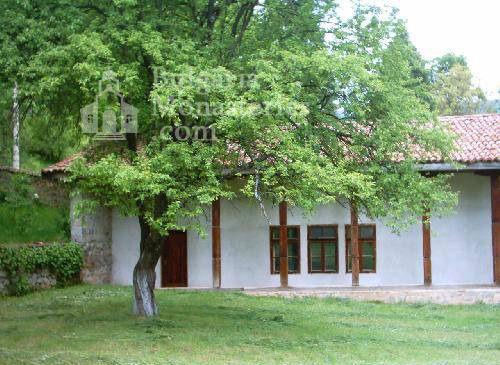 Земенски манастир - Жилищните сгради (Снимка 15 от 27)
