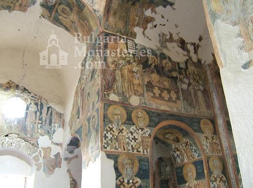 Земенски манастир - Вътрешността на църквата (Снимка 21 от 27)
