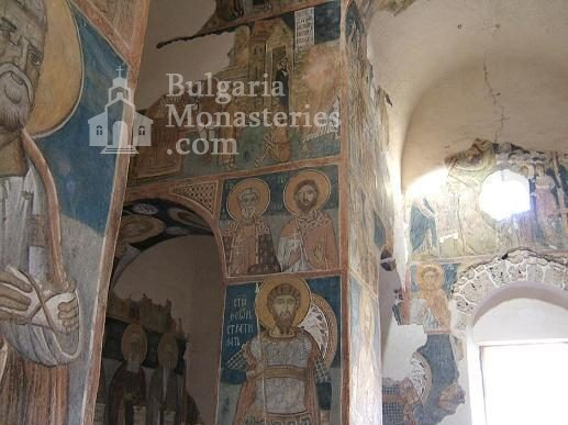 Земенски манастир - Вътрешността на църквата (Снимка 22 от 27)