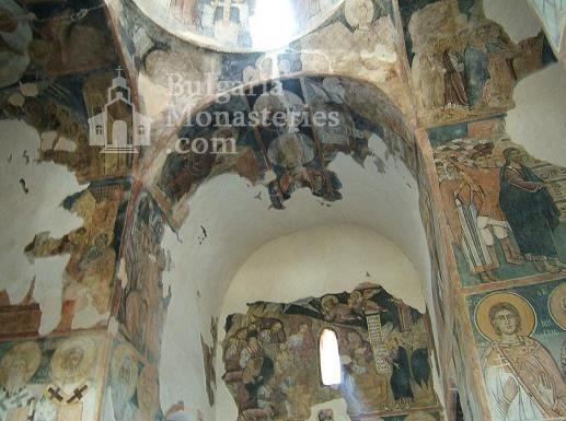 Земенски манастир - Вътрешността на църквата (Снимка 23 от 27)