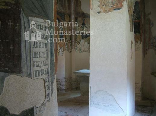 Земенски манастир - Вътрешността на църквата (Снимка 27 от 27)