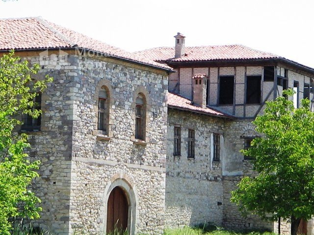 """Arapovski Monastery """"St. Nedelya"""" - The complex from the outside (Picture 9 of 27)"""