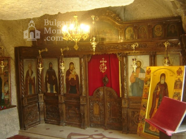 Basarbovo Monastery   - The altar (Picture 22 of 34)