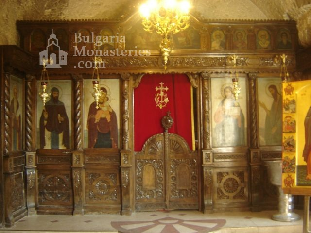 Basarbovo Monastery   - The altar (Picture 23 of 34)