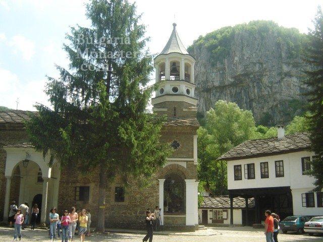 Dryanovo Monastery - The church (Picture 2 of 22)