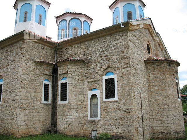 Etropole Monastery  (Picture 1 of 29)