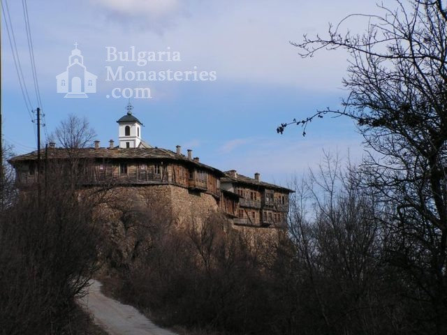 Glozhene Monastery (Picture 4 of 33)