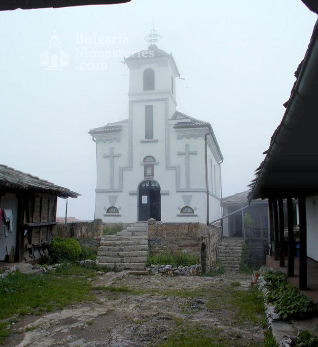 Glozhene Monastery (Picture 9 of 33)
