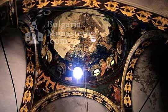 Kilifarevo Monastery - The dome of the main church (Picture 3 of 23)