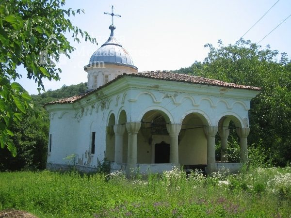 Plakovski Monastery - The main church (Picture 11 of 12)