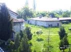 Араповски манастир - Манастирският двор