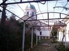 Арбанашки манастир - Дворът