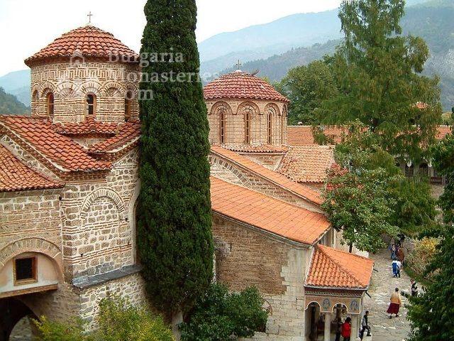 Бачковски манастир  (Снимка 1 от 30)