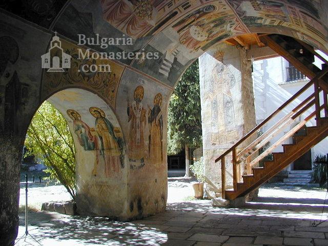Бачковски манастир  (Снимка 12 от 30)