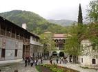 Бачковски манастир  - Манастирският двор