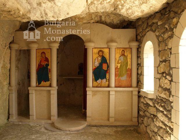 Басарбовски манастир - Манастирът от птичи поглед (Снимка 28 от 34)