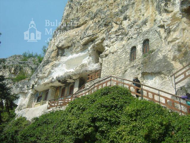 Басарбовски манастир - Църквата (Снимка 10 от 34)