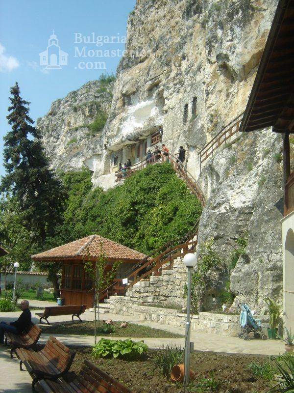 Басарбовски манастир - Църквата (Снимка 12 от 34)