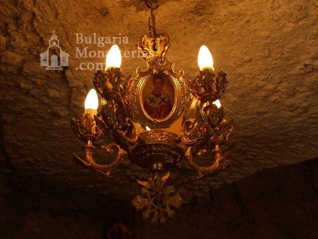 Басарбовски манастир - Църквата (Снимка 16 от 34)