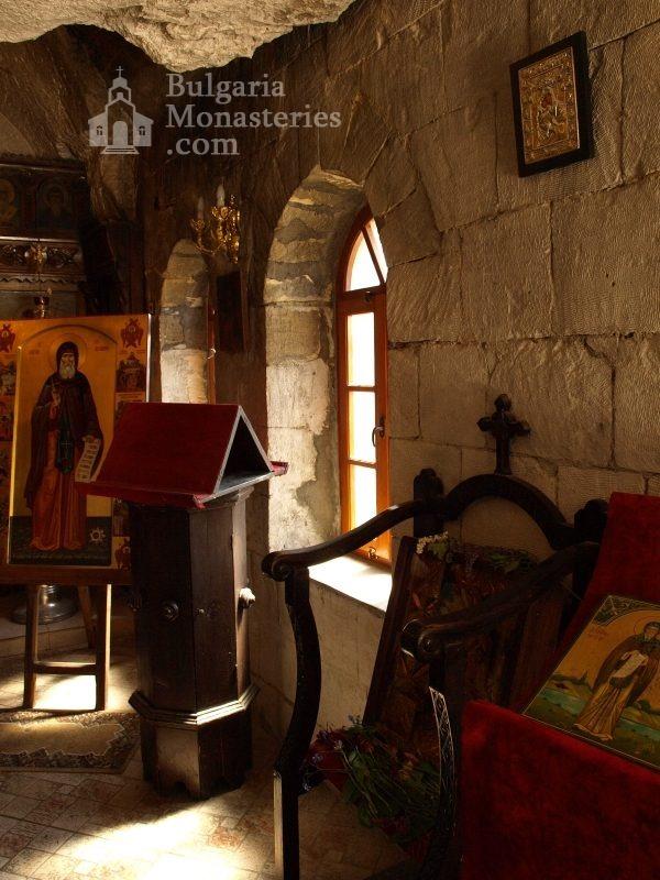 Басарбовски манастир - Църквата (Снимка 20 от 34)